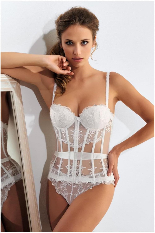 262361efd4581 Leglicious | Millesia Cravache Basque White
